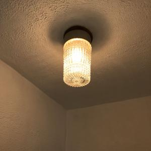 シンプリストの意外と可愛い長屋の照明。~引っ越して3カ月経つけど初めて気づいたで。~