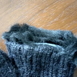 クリーニングからボロボロになって戻って来た新品の手袋