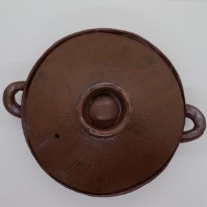無骨な土鍋