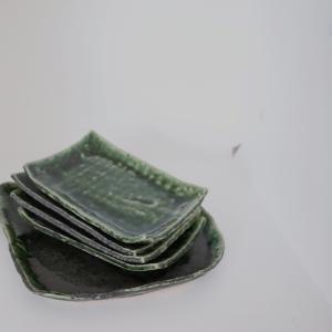 織部の変形大皿、四角皿