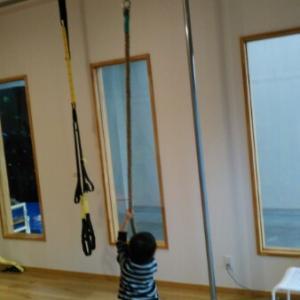 吊り輪と縄登りトレーニングを導入しました!〜父親への尊敬のまなざし〜
