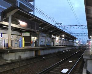 叡山本線を往く叡電デオ724とBOURBON ロアンヌ 期間限定ゴールドキウイ