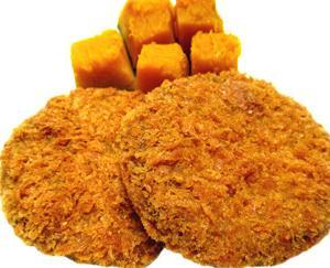 京阪開業110周年記念HM&洛楽HMを掲出する京阪8001編成と なかむら 鶏ハラミ炭火焼き