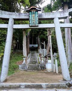 鍵守神社の磐座