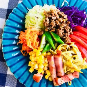 おかずサラダとミラノ風カツレツと朝ごはん!