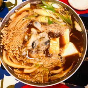 牡蠣鍋と生牡蠣のおろしポン酢にミニ春巻き!