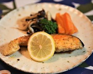 サーモンムニエルとワタシの簡単昼ご飯!