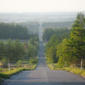 【景色】オホーツク海へと続く清里町いっぽんの道(道道857号線)