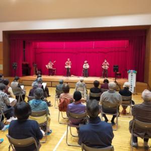 「ねんりん大学」鈴谷公民館ウクレレコンサート