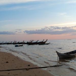 リボン島(Trang県) を歩く-リゾートとビーチアクティビティ