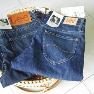 Buy 1 Get 1 で Leeジーンズを買う