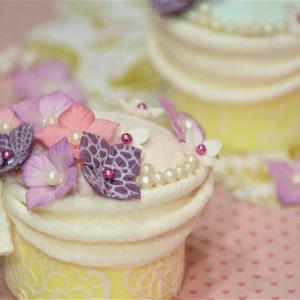ホテカル      フラワーカップケーキ