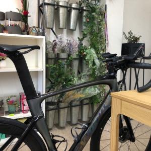 花と、ロードバイクと、万華鏡☆
