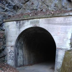 トンネルは怖い・・・だけど