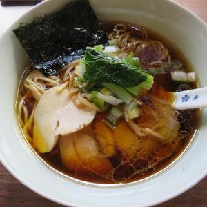 「我流麺舞・飛燕」小樽地鶏の中華そば醤油☆綺麗で上質な旨みたっぷり☆