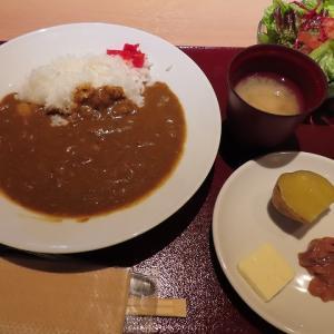 定山渓温泉・旅籠屋定山渓商店 朝食は雑炊かカレーの2択でどちらも美味しい☆