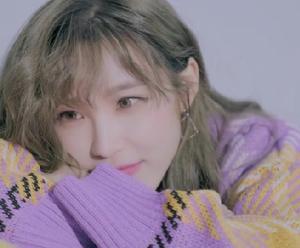 ヒョソン:3年6か月ぶりのソロ新曲「Starlight」MVキャプチャ①