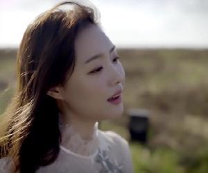 #송지은 #ジウン:新曲「Bloom(開花)」MV公開・・儚くも美しく、力強くも優しい、相反する魅力溢れるボーカル