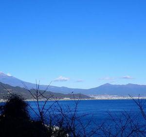 年跨ぎ駅舎巡り⑱ 元日の富士山二景(薩埵峠編)
