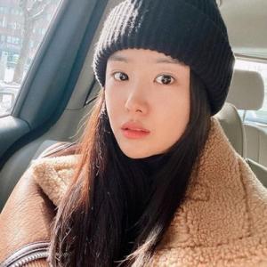 #송지은 ジウン:再び事務所所属へ。女優活動でのサポートに期待。