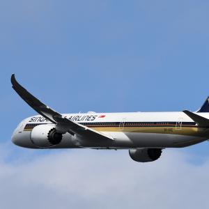 SIA 787-10 Take Off Rwy34L