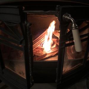 【薪ストーブ】煙突掃除まだだけど焚いた