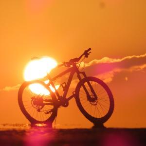 夏の夕べの自転車散歩。