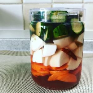 平、温、涼の野菜でピクルスを