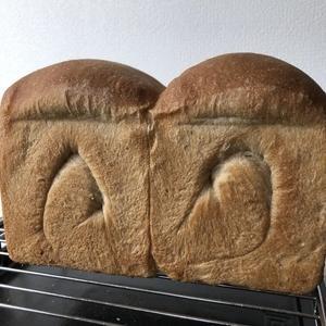 全粒粉の山食パン~香ばしい小麦の香り