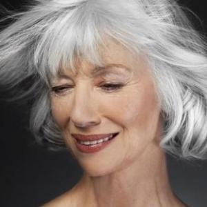 髪はオンナの命です!!気になる白髪の改善法