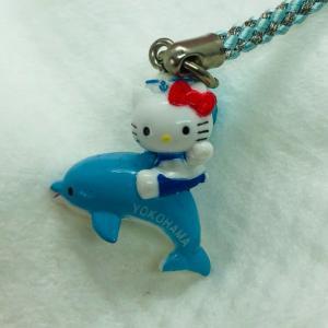 ご当地キティ㊸~イルカにのったキティ(横浜・神奈川)