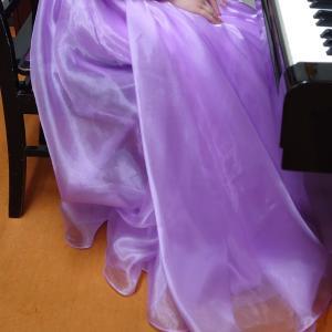 ロングドレスの座り方
