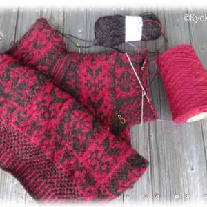 Carnationセーター、若干袖が細い。