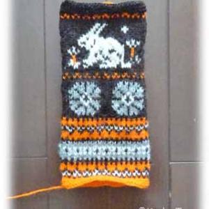 指なし手袋の編み込みうさぎ♪