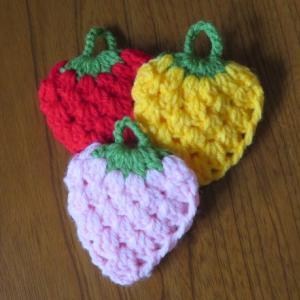 イチゴのエコたわしを編みました!