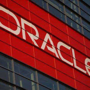 【ORCL】バフェットは正しかった!?クラウド不発、Amazonの脱Oracle宣言で、株価絶好調の米オラクルの業績低迷は避けられないか。