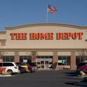 【HD】ホームデポ決算ミスで株価急落!小売大手の2回目の見通し引き下げは、景気後退を示す兆候か。