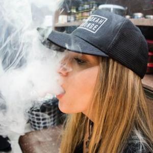 【MO】アルトリア絶体絶命!電子タバコによる死者急増で、Juulをカリフォルニア州が提訴する事態に発展してしまう・・・