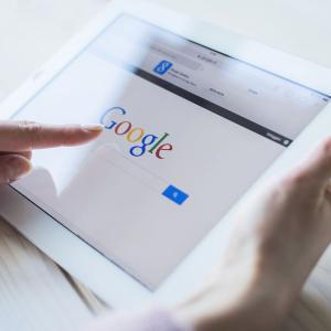 """【時代は""""タグる""""】Googleがオワコン化!?今の若者「検索はSNSでするし、今どき""""ググる""""とかないわwwww」"""