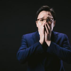【FX】5,600万円爆損して今鼻水と涙流しながら、全身が震えてどうすればいいか分からない 。