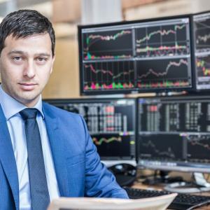 【朗報】個人投資家「コロナで儲けるチャンス!」ネット証券の売買代金6割増に。