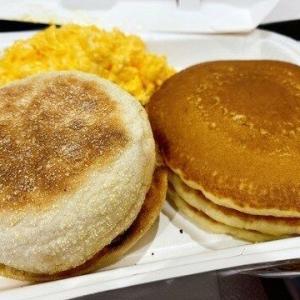 【真実】世界4位の超大金持ち「贅沢はモノを所有することじゃない!朝食はいつもマクドナルドで330円」