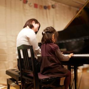 お母さんもピアノを楽しむ(宝塚市中山・山本・雲雀丘花屋敷ピアノ教室)