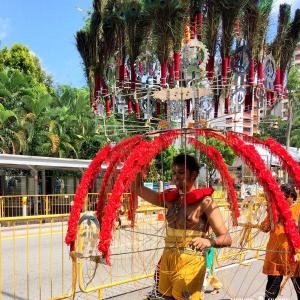 シンガポールの奇界遺産「タイプーサム」でクレイジージャーニー体験