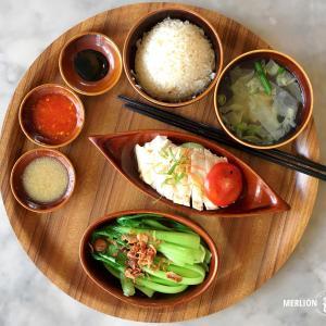 シンガポールのチキンライス四天王「ロイキー」カフェ風ワンプレート
