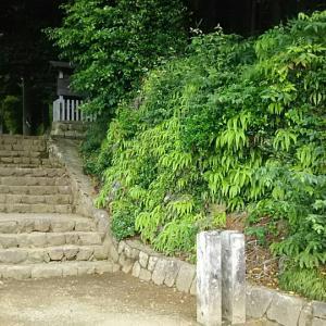 石座神社(愛知県新城市)