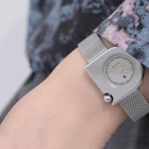 LIP MACH mini 腕時計を購入しました!1975年から販売されているのに色褪せないデザイン【レビュー】