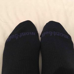 モンベルのKAMICOトラベルソックスは革靴を履いたビジネスマンにオススメ!