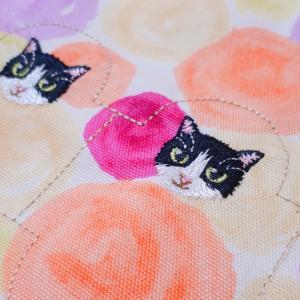 ハチワレ猫の刺繍★モデルは美人猫さん