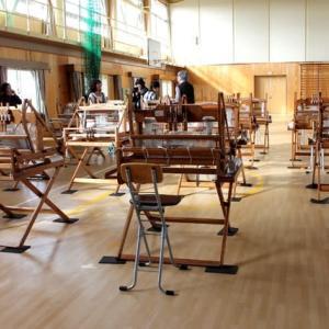 三谷小学校の三河木綿手織り教室